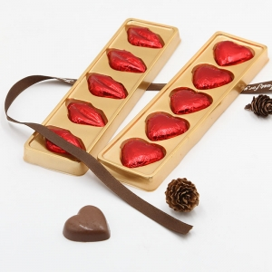 40g Valentine heart and lip shape lindt milk chocolate